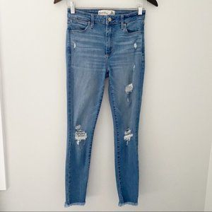 Abercrombie & Fitch Ankle Distressed Women Jeans